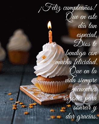 Feliz cumpleaños espero que la pases bien